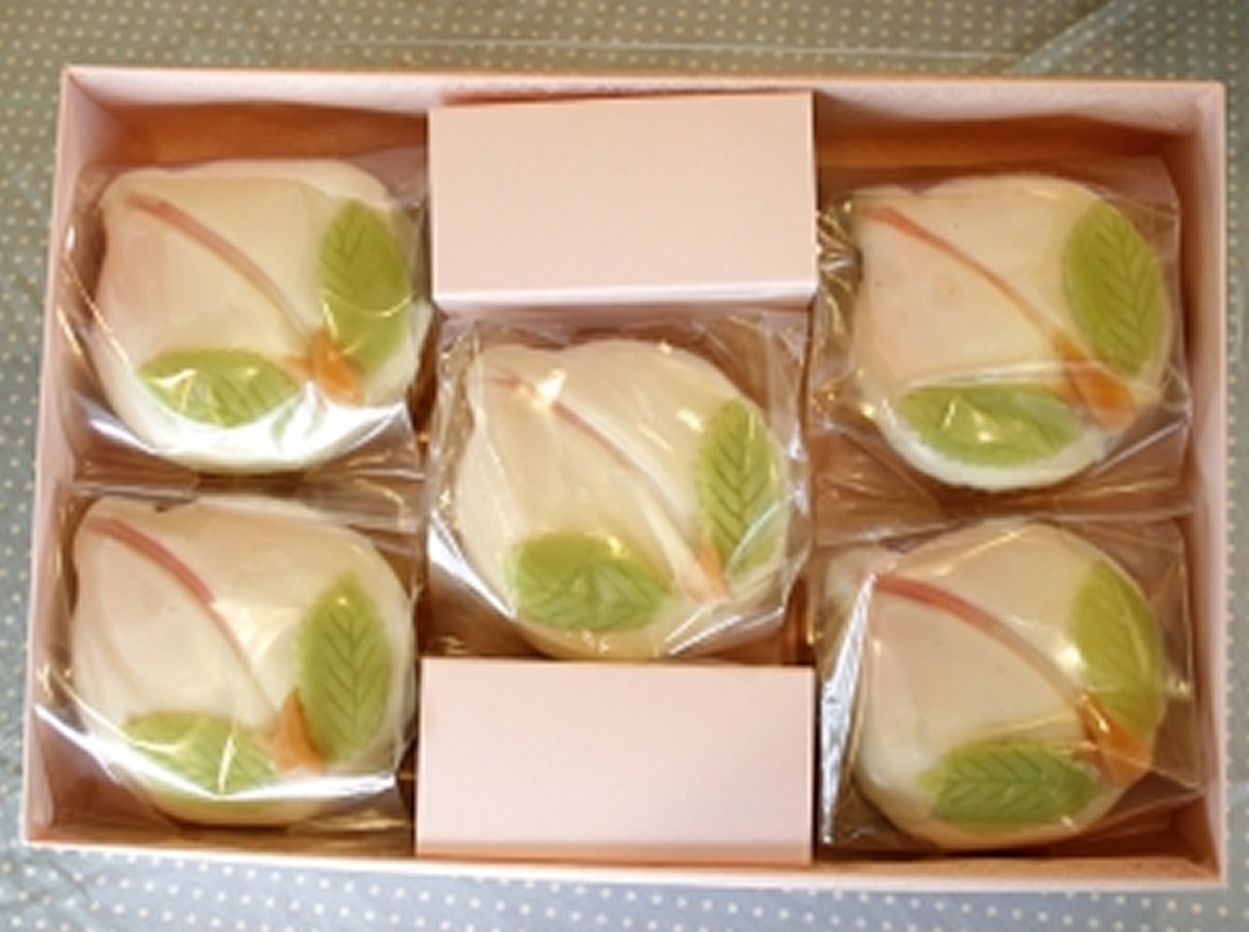 桃のビスコッチョ5個詰め合わせ 長崎のスペイン洋菓子のサン・オノフレ