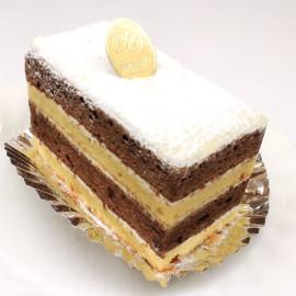 スペイン菓子専門店サン・オノフレ|ホワイトチョコのガナッシュケーキ width=