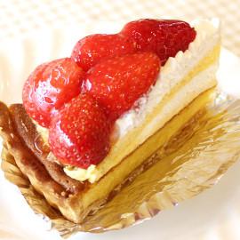 スペイン菓子専門店サン・オノフレ|苺のスペシャル・サンティアゴ